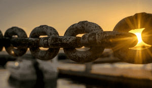 picture of chain links
